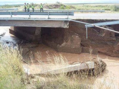 Las tormentas provocaron que se cortara la ruta a San Rafael por riesgos sobre un puente