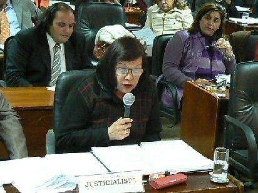 Media sanción para la creación del Defensor del Pueblo