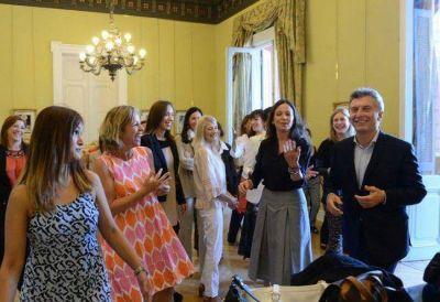 Macri homenaje� a las chicas Pro