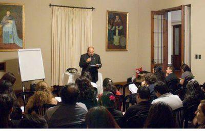 Se desarrollan en Salta jornadas de actualización sobre Turismo Religioso