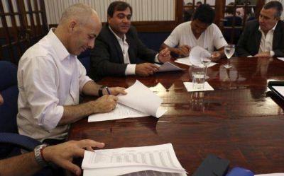 El Municipio y gremios formalizaron la suba salarial