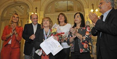 Tucumanas recibieron una distinci�n del Gobierno en el D�a de la Mujer
