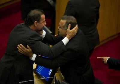 El Defensor del Pueblo se declaró amigo del gobernador y del intendente