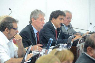 Desendeudamiento y convenio de asistencia, en la agenda del Parlamento