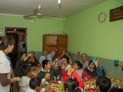 Morales supervisa personalmente los programas nutricionales escolares