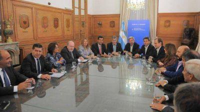 Gobierno recibe a gobernadores en busca de una solución al reclamo por coparticipación