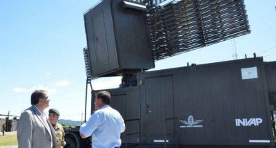 El Ministro de Defensa supervisó el funcionamiento de los radares en Resistencia y Tartagal