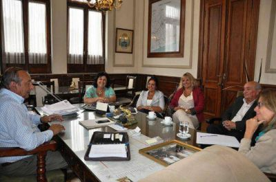 Sánchez se reunió con autoridades educativas