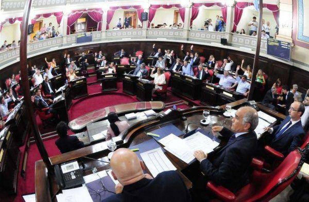 Cambiemos no cedió a las presiones de Massa y se quedó con 9 comisiones en el Senado