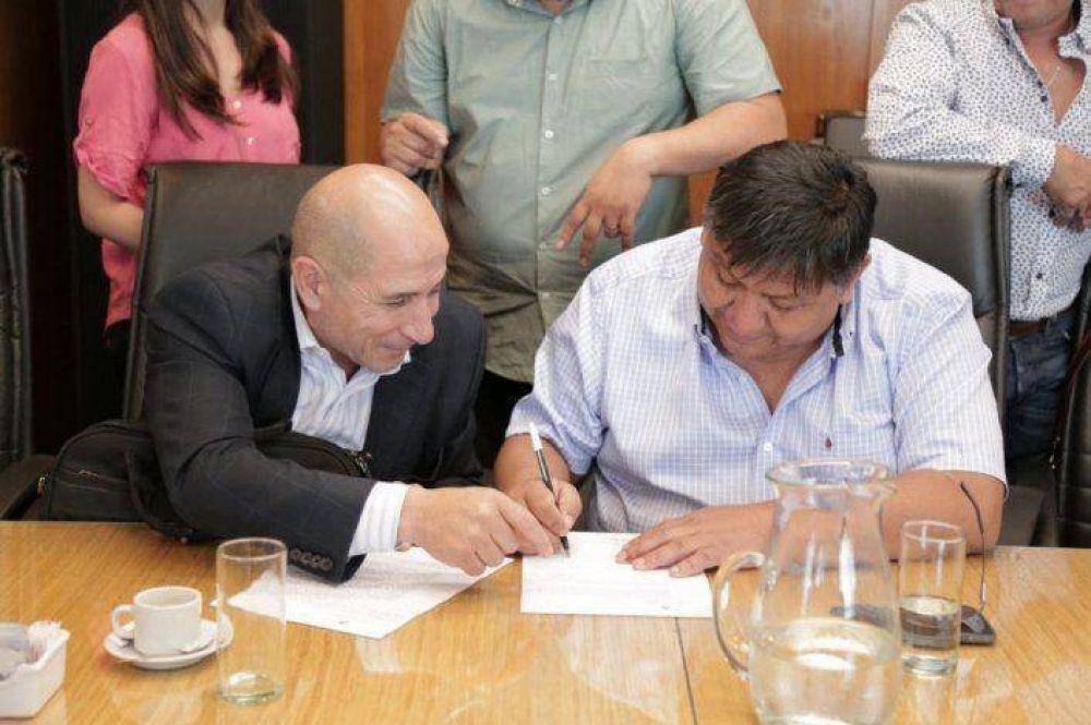 Petroleros de equipos parados en Tecpetrol cobrarán el 70 por ciento de su sueldo bruto