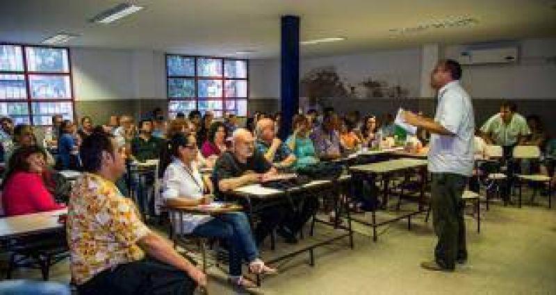 Paritarias: Adiunt amenaza con no empezar las clases en la UNT