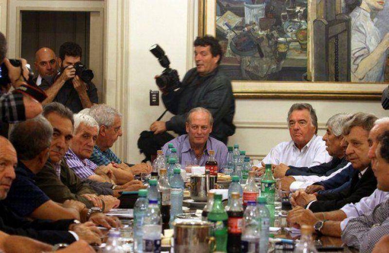 Las tres CGT realizar�n en agosto un congreso con vistas a reunificar la central