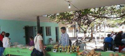 Se reinicia la Feria de la Agricultura Familiar con el estreno de una nueva carpa
