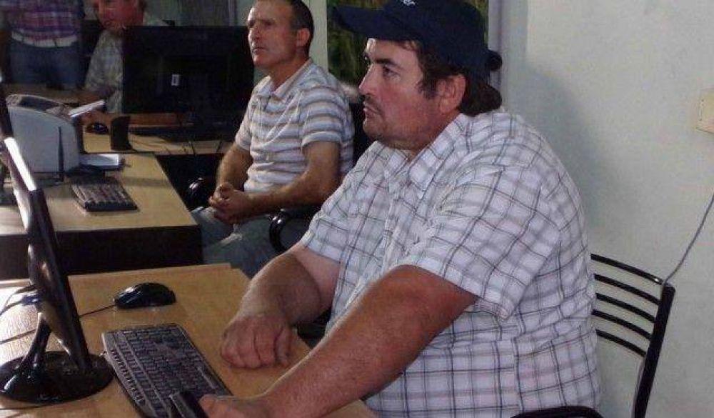 Capacitan en computación a productores sanjuaninos