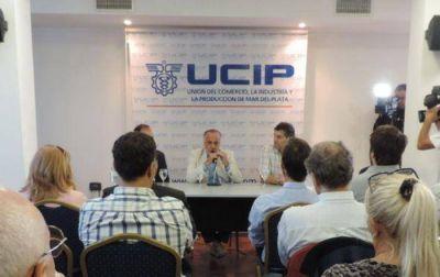 """El titular de la Ucip, Raúl Lamacchia volvió a hacer """"terrorismo comercial"""" y amenazó con despidos de llegar Easy y Unicenter"""