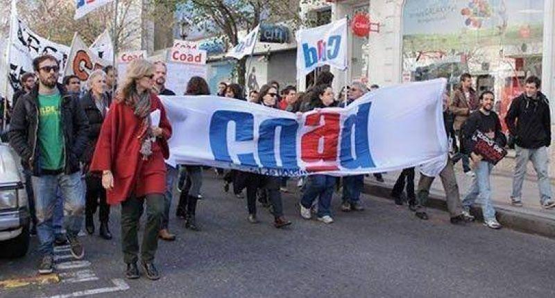 Docentes universitarios movilizan en defensa de la educación pública