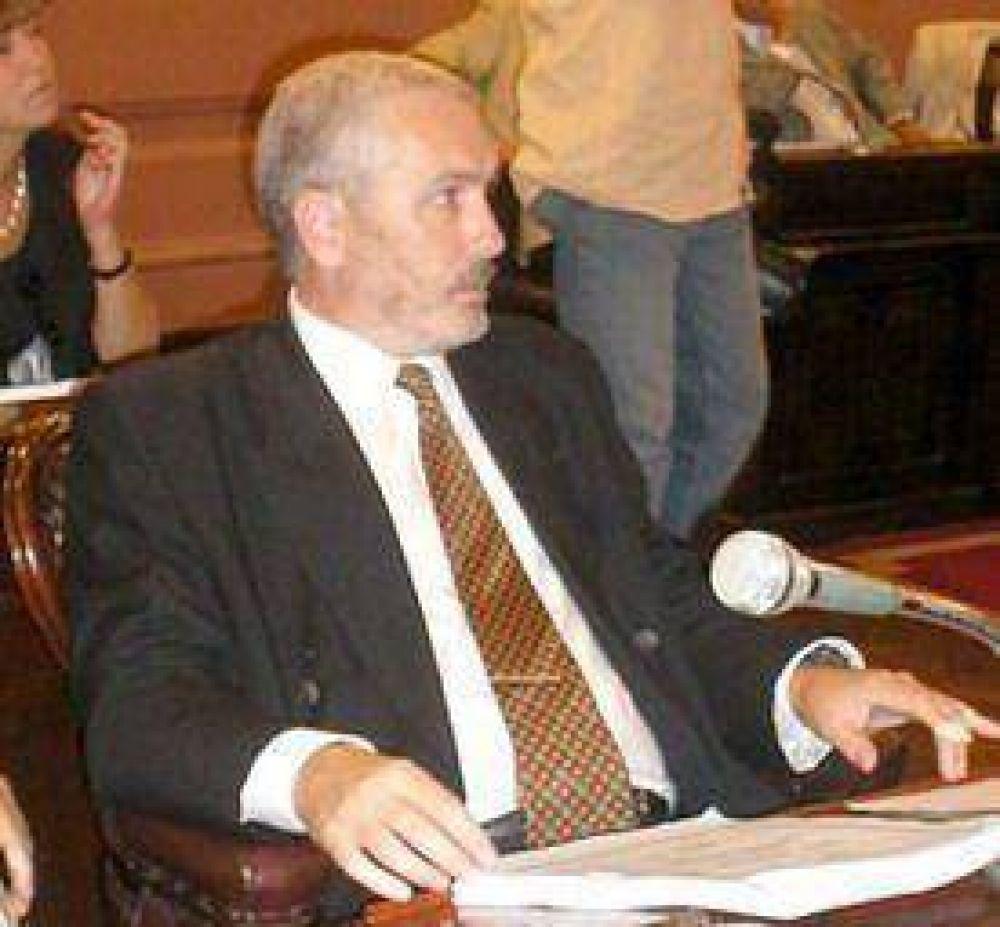 Piden coparticipar el impuesto al cheque a las provincias