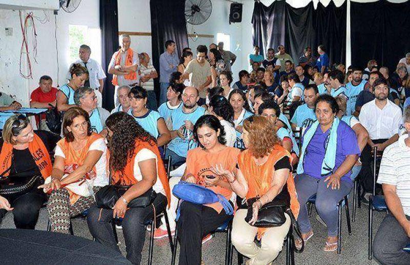 Los delegados de ATE, contra el acuerdo firmado en paritaria