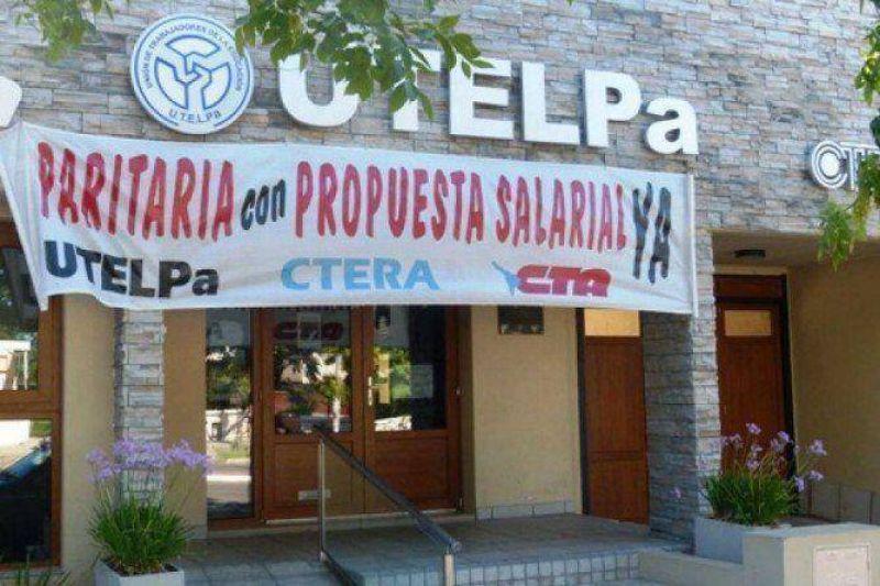 """UTELPA acusa a Verna de votar """"a favor de los buitres"""" y recortar en Educación"""