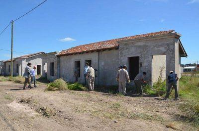 Se realiza la limpieza de terrenos en el barrio Pickelado