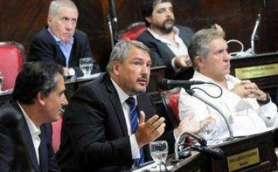 """Senado: El massismo calificó de """"kirchnerismo explícito"""" a Cambiemos por las designaciones en las comisiones"""