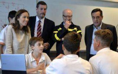Vidal visit� una escuela t�cnica en Campana