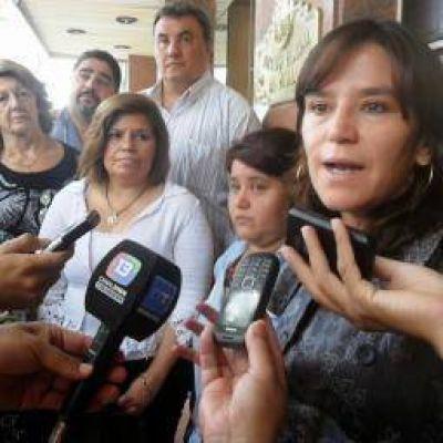 Fuerza C�vica carg� contra el aumento otorgado a estatales