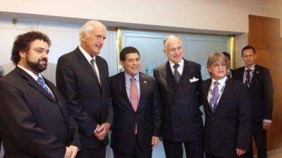 Horacio Cartes fue distinguido con el Premio Shalom por el CJL