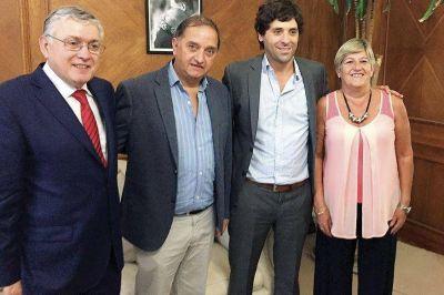 Linares consigui� el compromiso de Naci�n de �activar r�pidamente� la obra del Estadio Centenario