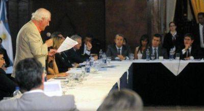 Macri eliminó la bicameral que investigaba el origen de la deuda y Pino enloqueció