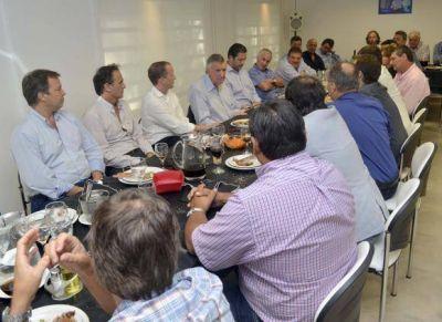 Un almuerzo en Buenos Aires para apoyar la candidatura de Gioja a presidir el PJ
