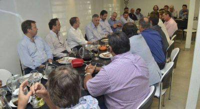 Reuni�n de intendentes peronistas con Gioja