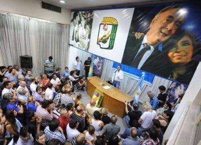 Scioli pidió la unidad del peronismo y criticó el rumbo económico del gobierno