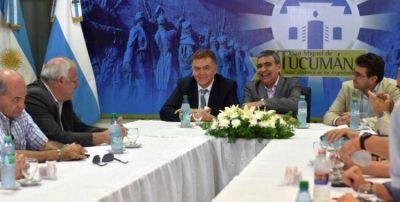 Amaya anunció junto a Alfaro la jerarquización de la peatonal Muñecas