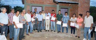 Entregan viviendas sociales en Quebracho Coto
