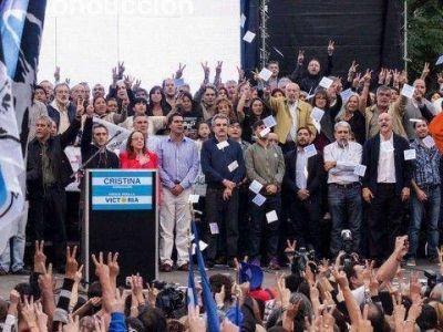 Plenario del FpV en Avellaneda con presencia de militantes locales