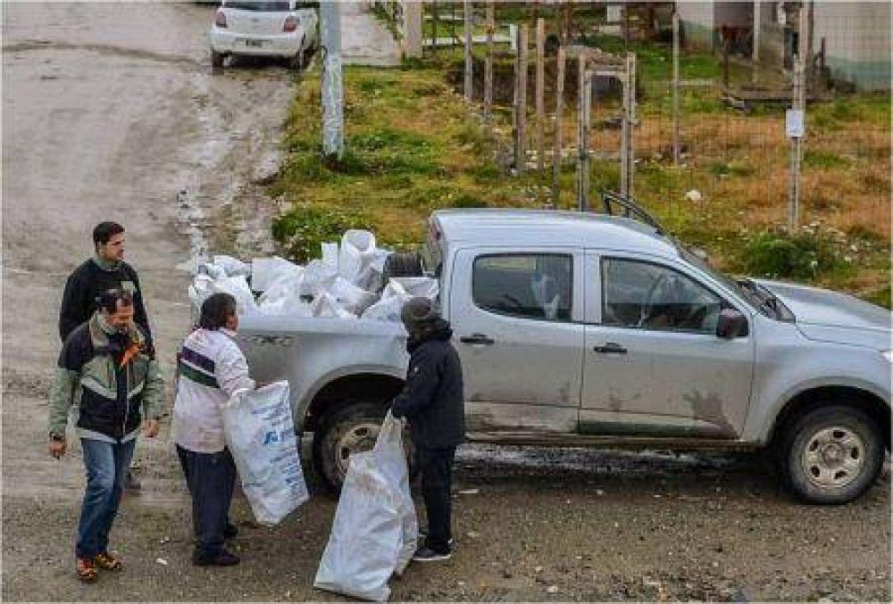 Se retiraron 80 metros cúbicos de basura del barrio Río Pipo