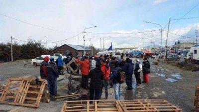 El Gobierno apela a que se logre el desalojo del piquete en la ruta de manera pacífica