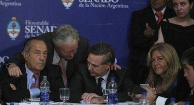 Los senadores quieren impedirle a Macri tomar deuda externa sin aval del Congreso