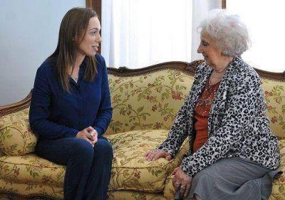 Vidal ofreció colaboración a las Abuelas de Plaza de Mayo