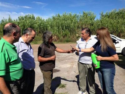 Referentes de Cambiemos recorrieron el barrio Santa Marta