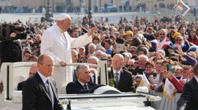 El Papa explica el Jueves, Viernes y Sábado Santo: una gran historia de amor sin fin