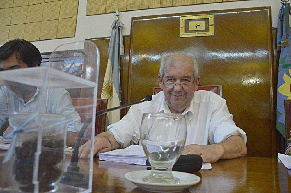 El presidente del Concejo admite diferencias con Arroyo