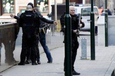 Hallan 15 kilos de explosivos en la casa de los autores de los ataques en Bruselas