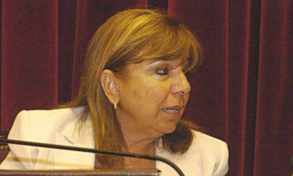 """Pedirán que Roxana Latorre deje su banca porque se """"borocotizó"""""""