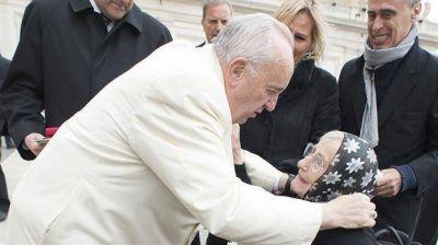 El papa Francisco saludó a
