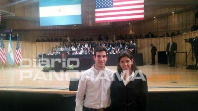 Dos santiagueños estuvieron en la charla de Obama