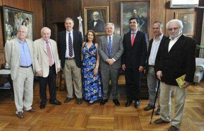 Salta: Juan Manuel Urtubey participó en el homenaje a Ragone
