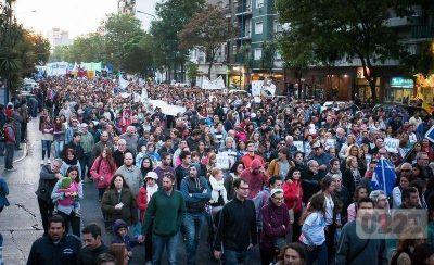 Con fuertes críticas a Macri, Mar del Plata marchó a 40 años del golpe cívico militar