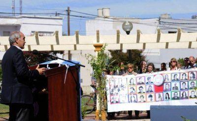 El vicegobernador bonaerense encabezó acto homenaje en Tandil
